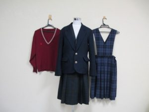 愛媛県済美高校の制服