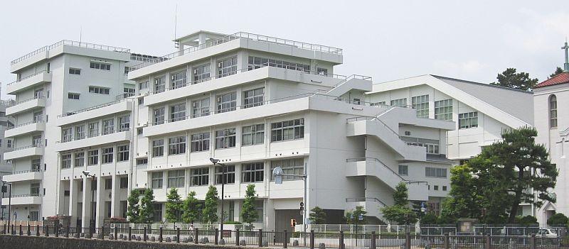 静岡雙葉中学校・静岡雙葉高校の制服