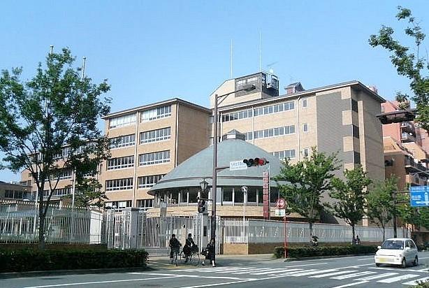 福岡大学附属若葉高校の制服