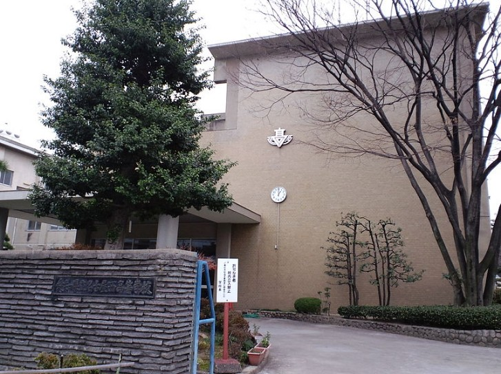 名古屋西高校の制服